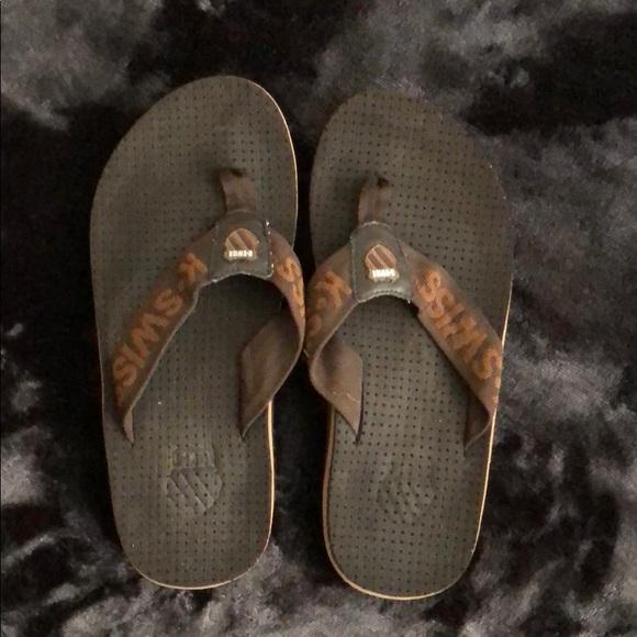 new style 9d554 b19cf Brown K-Swiss boys slip on sandals. Sz 5
